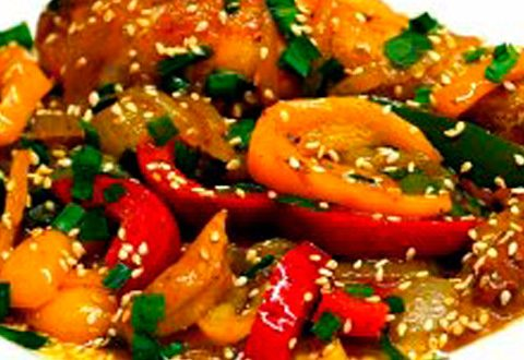 Жареная курица с овощами в соусе Терияки